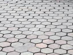 Тротуарная гранитная плитка ФЭМ (фигурные элементы. ..