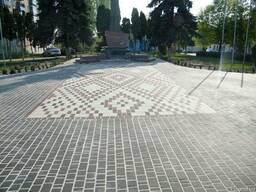 Тротуарная вибропресованная плитка