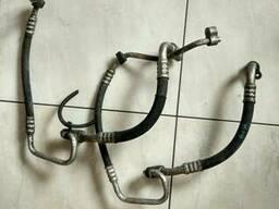 Трубка кондиционера 1. 9 Opel Zafira 13220996 LN2 13100325. ..