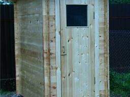 Туалет и душ из дерева