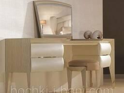Туалетный стол из натурального дерева