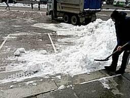 Уборка снега с ручной погрузкой