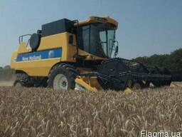 Уборка урожая зерновыми комбайнами в Украине