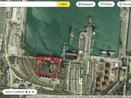Участок в морском порту