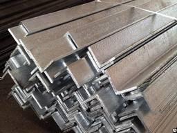 Алюминиевый уголок равносторонний АД31Т5, 10х10х1 мм
