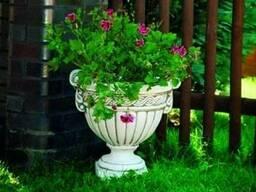Вазон садовый, цветочник уличный, цветник парковый