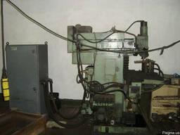 Универсально-фрезерный станок 67К25ПФ2