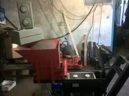 Универсальный гидравлический станок для лего кирпича