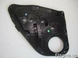 Уплотнитель обшивки панели двери Ford Fiesta Mk7 08-15 Форд