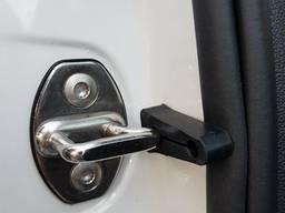 Упор замка двери VAG!Накладка на петлю замка . VW. Audi. Skoda. Seat