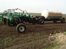 Услуги по внесению жидких минеральных удобрений в почву