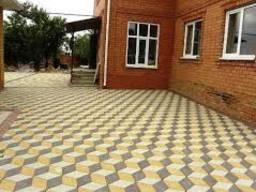 Установка бордюров, тротуарная плитка