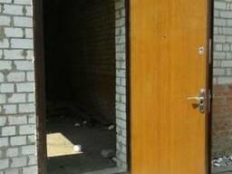 Установка уличных входных дверей