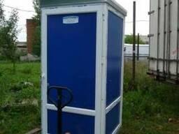 Утеплена туалетна кабіна. Утепленная туалетная кабина.