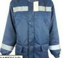 Куртка зимняя, утепленная, с свп полосами и капюшоном.