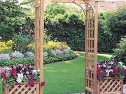 Вазоны деревянные, арки и перголы как зонирование ландшафта