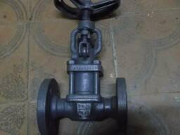 Вентель сильфонный ду25-40 ру40