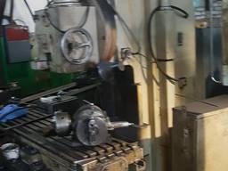 Вертикально-фрезерный станок FSS 400 стол 1600×400мм.