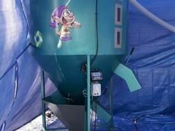 """Вертикальный смеситель комбикорма """"ГНОМ"""" 500 кг."""