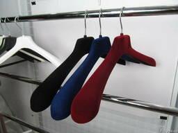 Вешалка для одежды флок