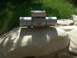 Вибродвигатель площадочный вибратор вібратор 220 вольт - photo 2