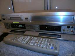 Видеомагнитофон SVHS, VHS, DV JVC HR-DVS1