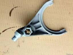 Вилка переключения раздаточной коробки 47340-H1000 на Kia So