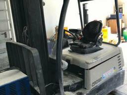 Вилочный электрический погрузчик Crown SC4240, 1. 8т, кара. ..