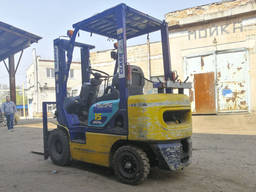 Вилочный погрузчик Komatsu FG15 газ/бензин 1500кг цена с НДС - фото 2