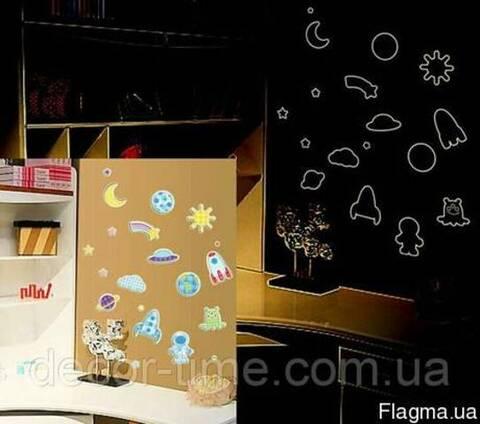 Виниловые наклейки на стену детскую комнату(050)