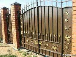 Ворота распашные с ковкой