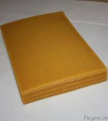 Вощина под рамку Дадан 1 кг (12-13 листов)
