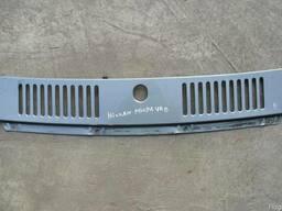 Воздухозаборная решетка Nissan Micra K10 (1988г-1993г).