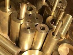 Втулка бронзовая диаметром 120 мм марки БрАЖМц