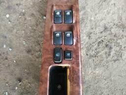 Выключатель стеклоподъёмника 93570-3E300GW на Kia Sorento 02