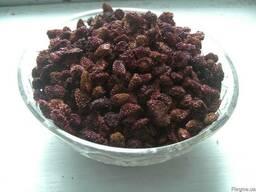 Ягоды черники, земляники, малины, смородины, вишни сушеные