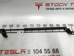 З/ч Тесла. Амортизатор капота левый правый 1062634-00-A 106