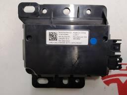 Автозапчасти. блок usb, hub charger 1093295-00-a 1093295-00-