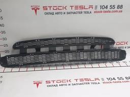 З/ч Тесла. Решетка (гриль) бампера переднего, нижняя (без ра