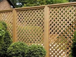 Забор деревянный и ограждения от производства с монтажом