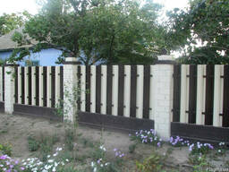 Забор штакетный из оцинкованного металла с порошковым покрыт