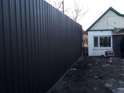 Забор из металопрофиля под ключ в Херсоне. Сварочные работы. Строительные работы. Сантехра