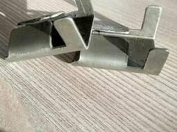 Замки для фиксации стальной ленты