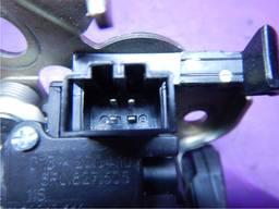 Замок крышки багажника (4 pin) Audi Q5.