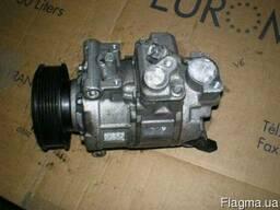 Б/у компрессор кондиціонера на Audi A4 B8 запчастини на ауді