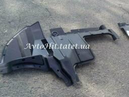 Защита двигателя, дефлектор правый Mitsubishi Outlander I. ..