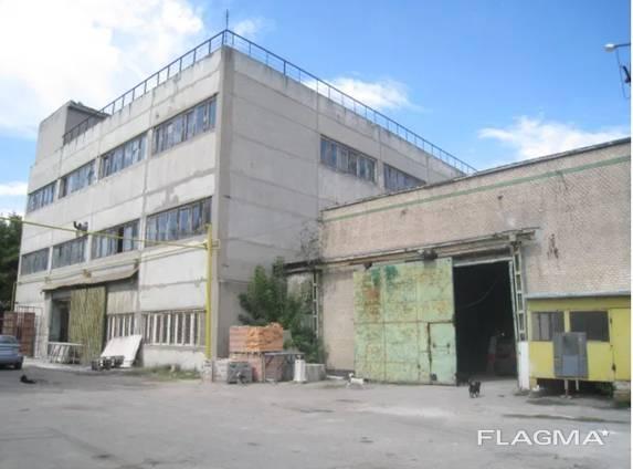 Здание 3.119 метров, учасок 40 соток ул. Боровского.