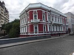 Здание в самом центре Одессы. Возможно под вашу гостиницу