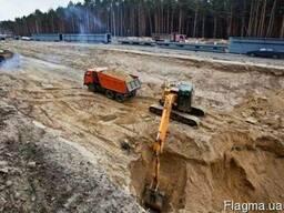 Земляные работы экскаватором. Котлован. вывоз грунта