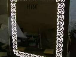 Зеркало с подсветкой в виде узора на светодиодах